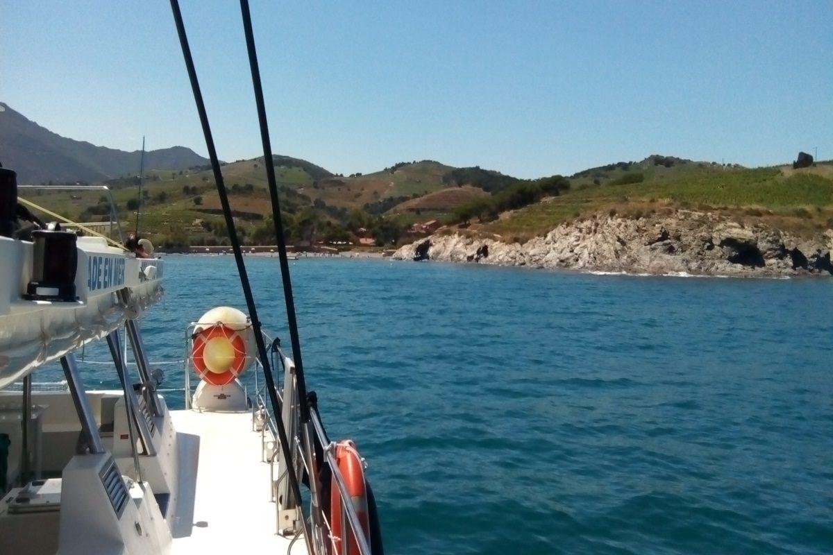 catamaran navivoile croisiere port vendres et collioure avec escale au depart de canet en roussillon avec circuit en petit train