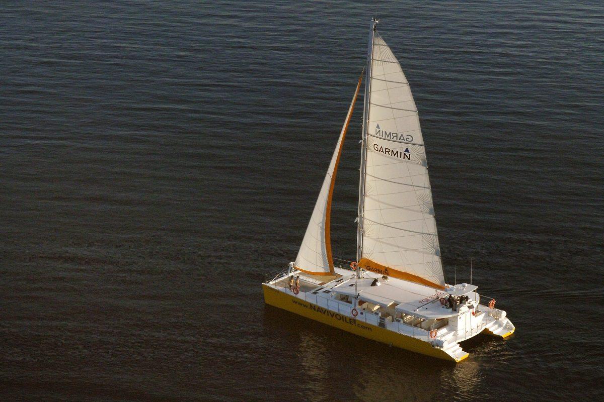 catamaran navivoile excursion en bateau à la voile au départ de canet en roussillon cap sur sainte marie la mer