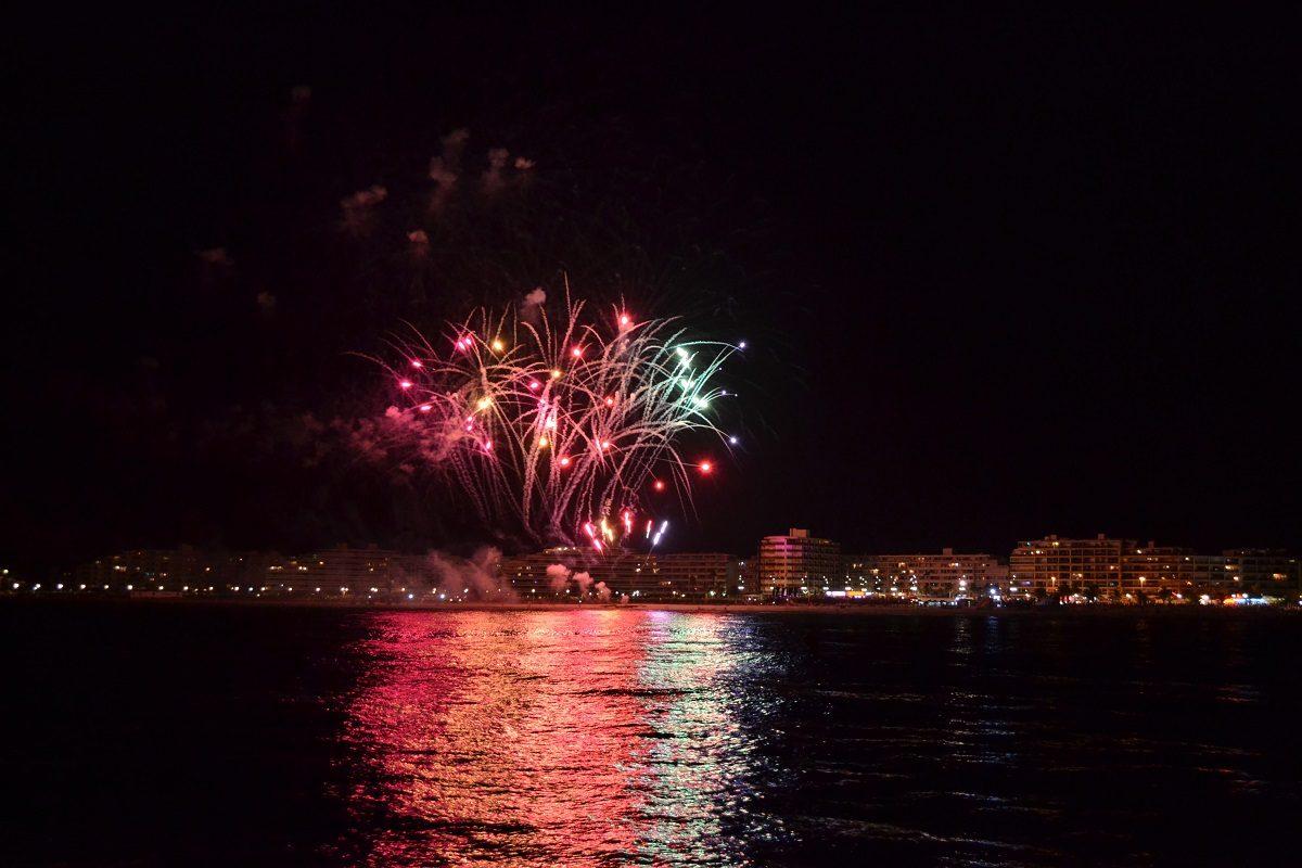 catamaran navivoile feu artifice du 14 juillet de sainte marie la mer