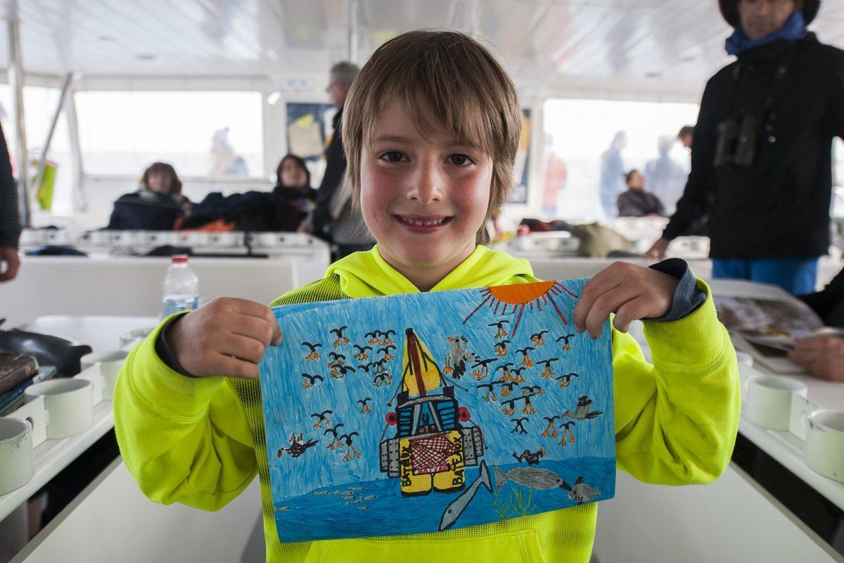 catamaran navivoile observation baleines et dauphins au depart de canet en roussillon avec joli dessin representant la sortie