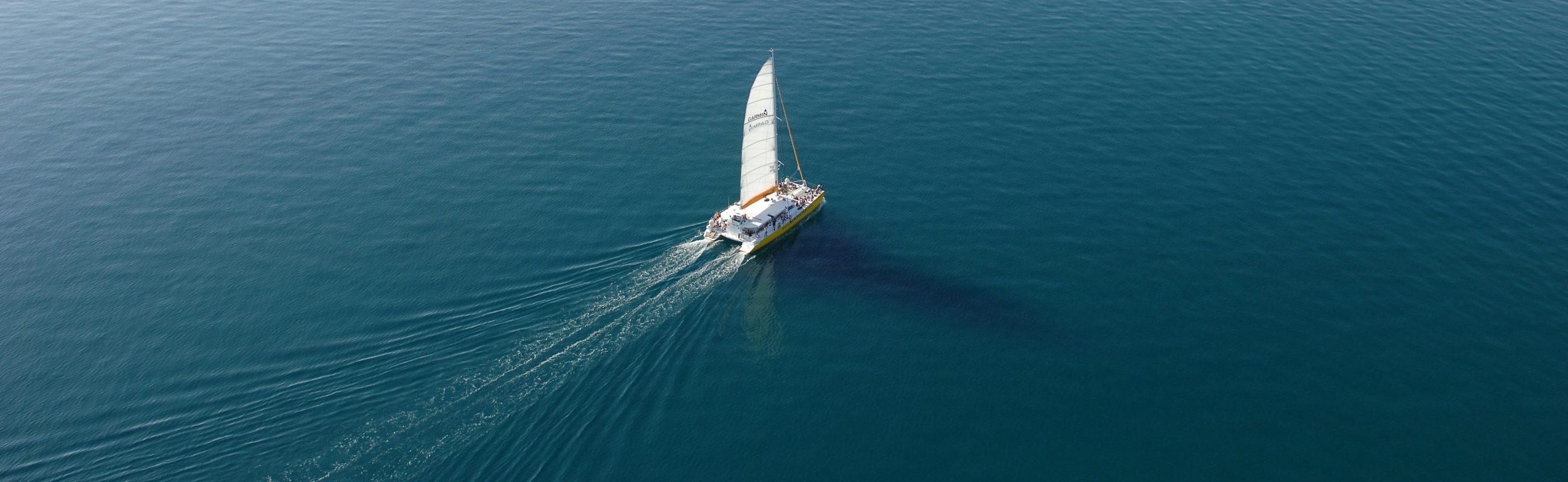 catamaran navivoile promenade en mer à la voile depart canet en roussillon