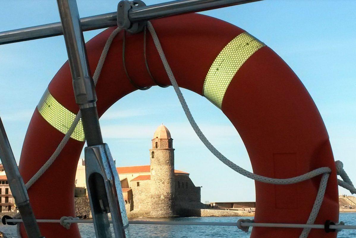 catamaran navivoile tarifs groupe agence bateau non privatise au depart de port vendres et canet en roussillon navigation sur la cote rocheuse et collioure