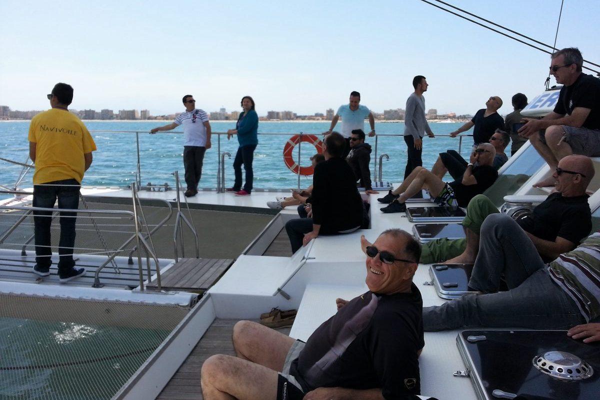 catamaran navivoile tarifs groupe agence bateau non privatise au depart de port vendres ou canet en roussillon passagers tranquilles