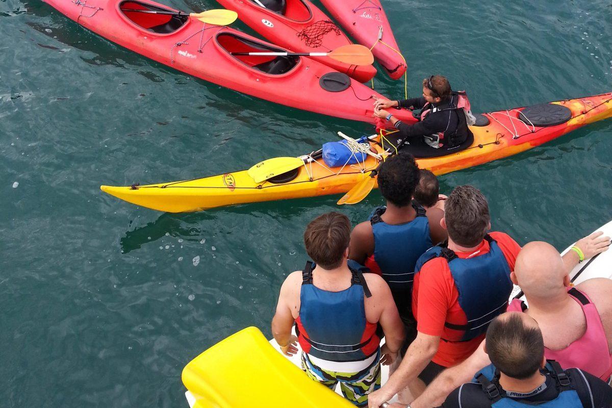 catamaran navivoile tarifs groupe agence bateau privatise au depart de canet en roussillon ou port vendres dans les pyrenees orientales activite kayaks de mer