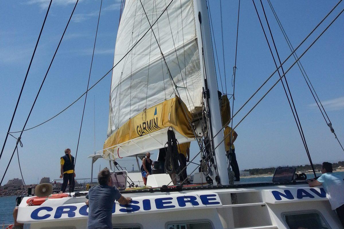 catamaran navivoile tarifs groupe agence bateau privatise au depart de canet en roussillon ou port vendres dans les pyrenees orientales au depart de collioure