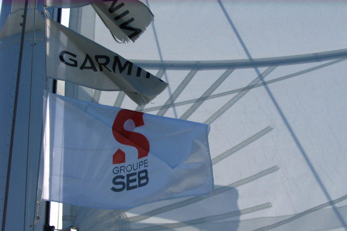catamaran navivoile tarifs groupe agence bateau privatise au depart de canet en roussillon ou port vendres dans les pyrenees orientales seminaire SEB